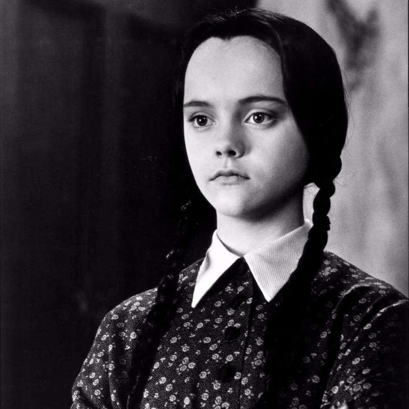 Wednesday-Addams - Zilele saptamanii in engleza